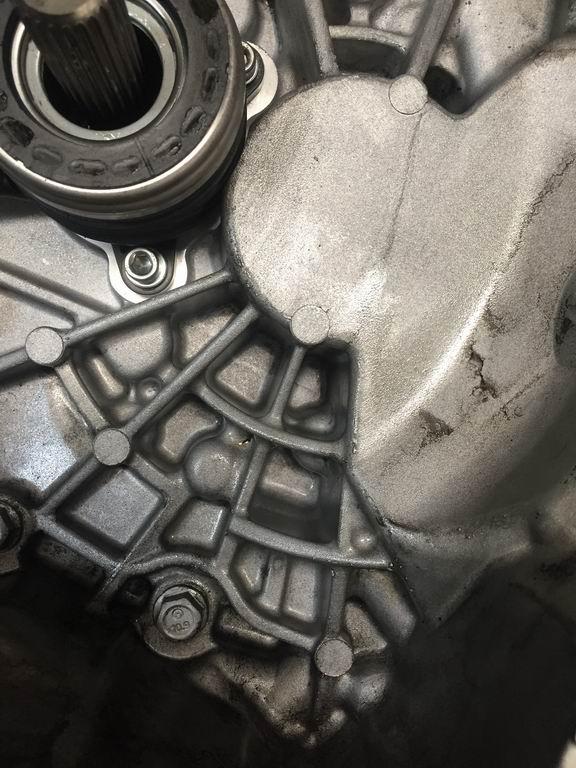 变速箱多次维修漏油问题未解决