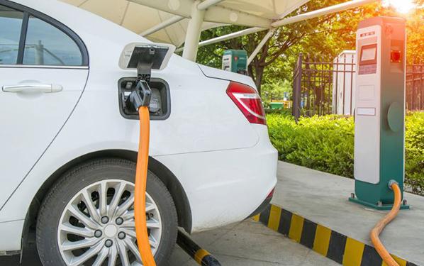 新能源车换电池比买新车贵?