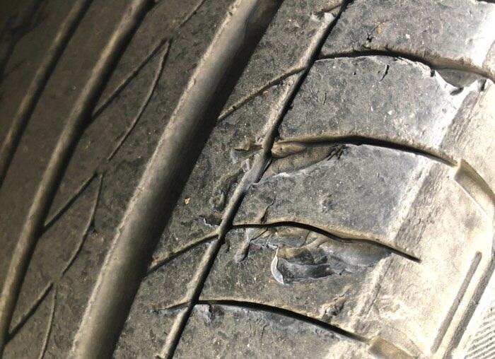 轮胎起皮掉渣