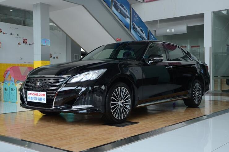 皇冠优惠高达2万 近期店内有现车在售