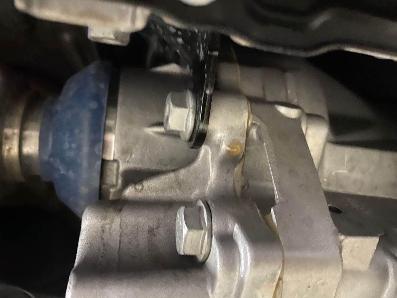 新车分动箱严重漏油