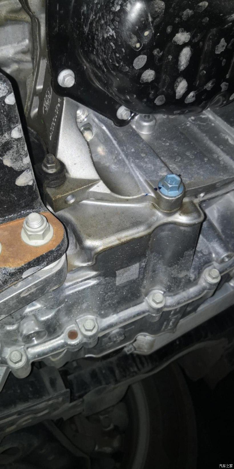 长安福特19款1.5T锋潮福克斯发动机漏油