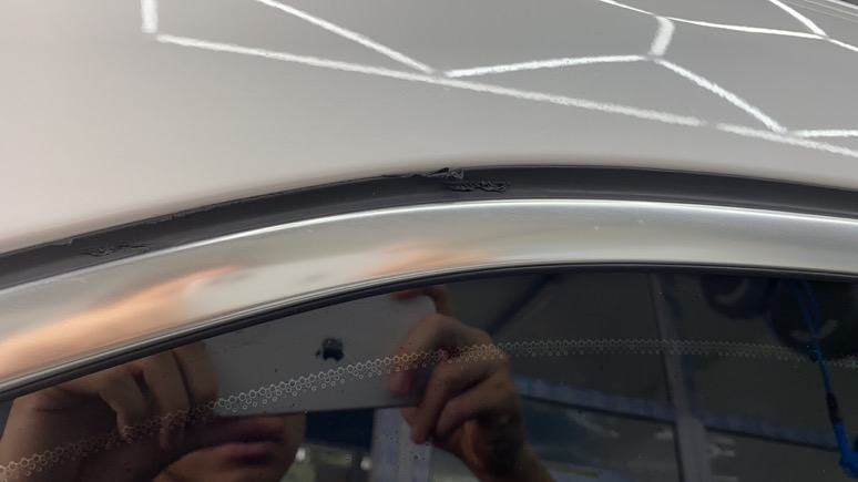 提了15个小时的新车&nbsp发现两侧三角窗胶条3处烫伤