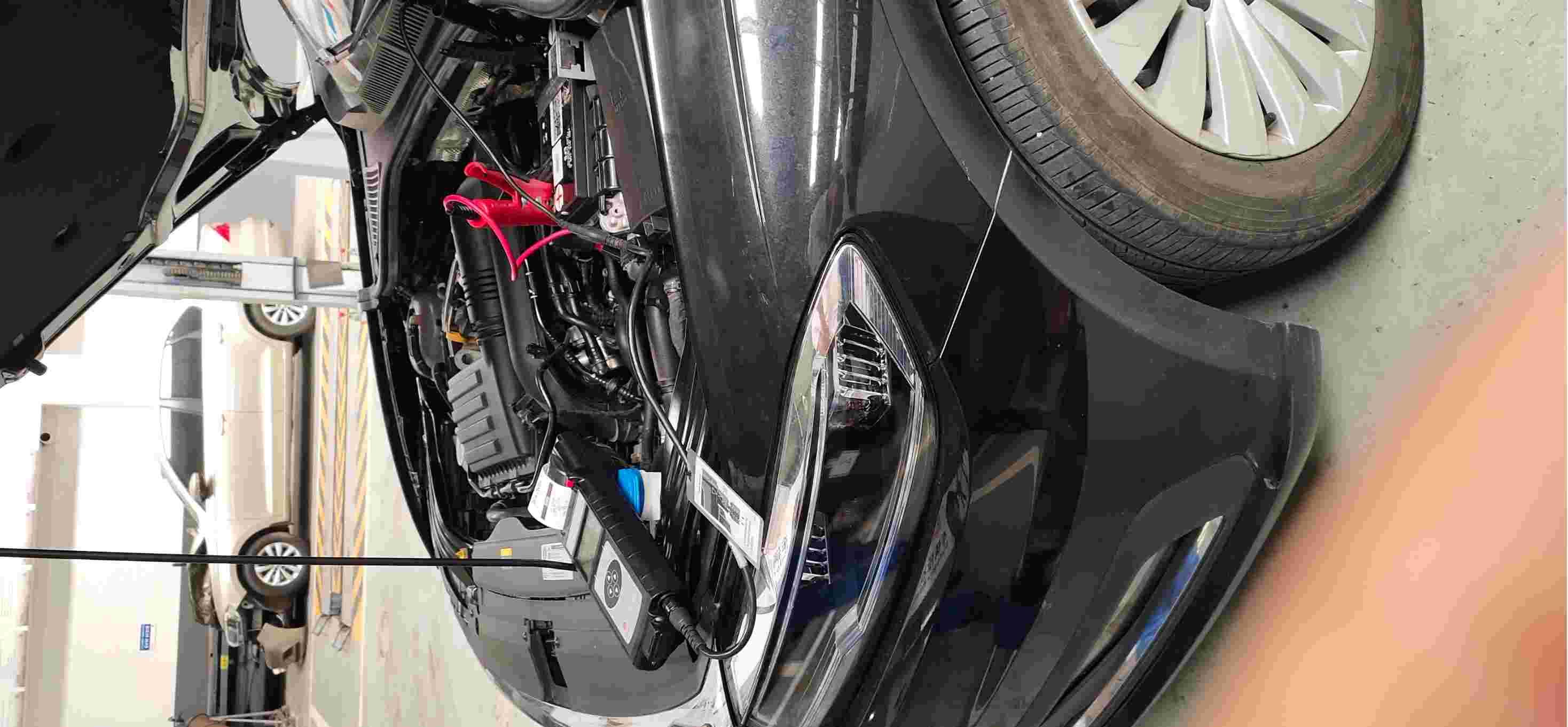 上汽大众朗逸蓄电池故障导致无法启动