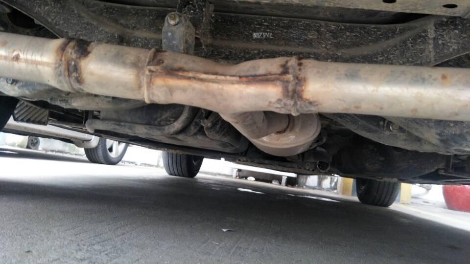 排气管严重生锈