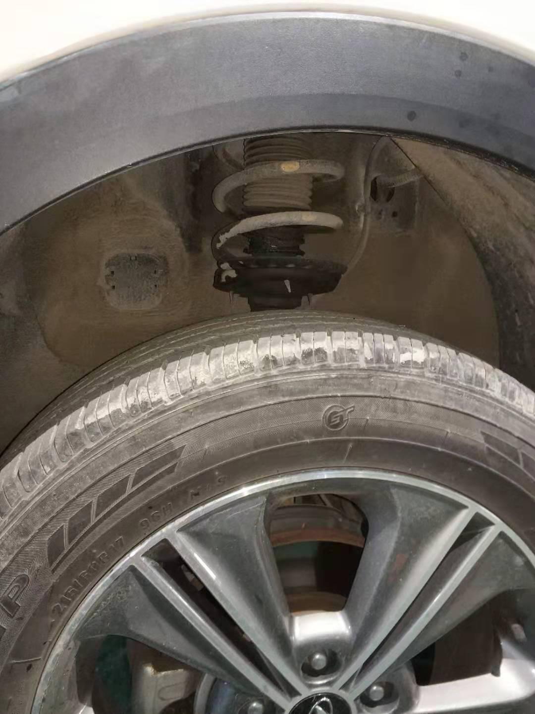 现代ix25减震器漏油,三包索赔两个月没有维修