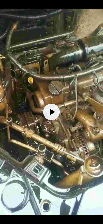 发动机往上喷油,发动机异响,发动机里有大量铁粉