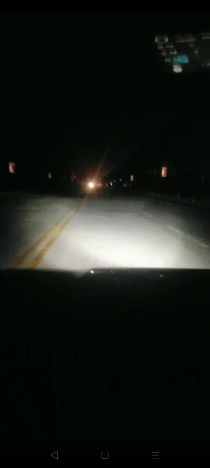 汽车大灯不亮,不聚光,散光