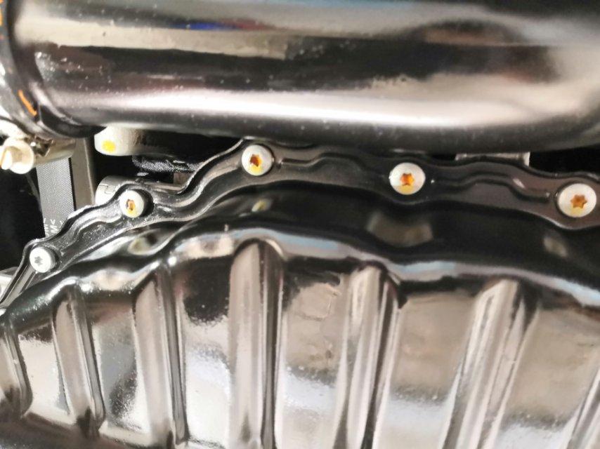 19款帕萨特发动机多次漏油