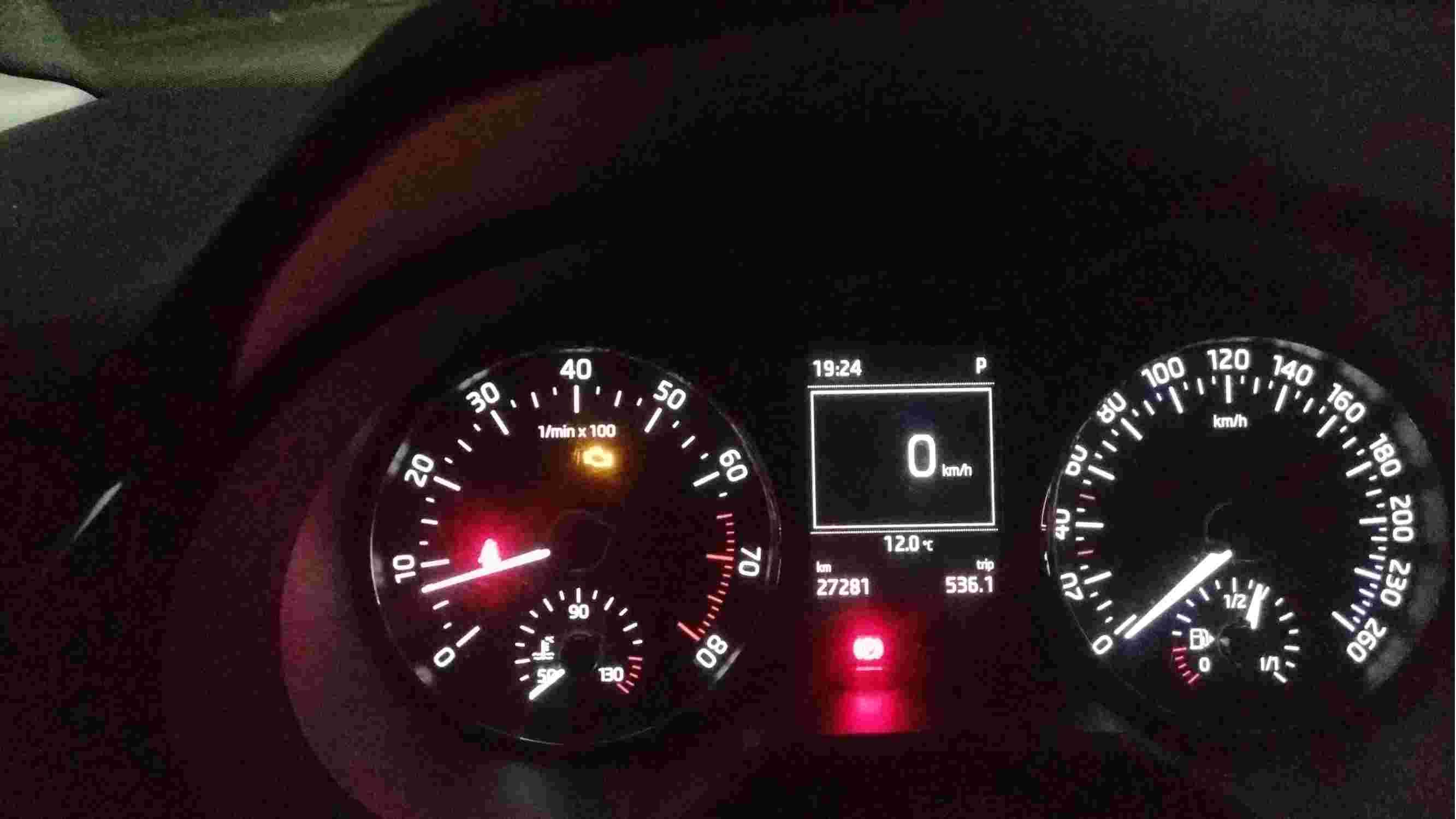 发动机故障灯亮,涡轮增压器坏。