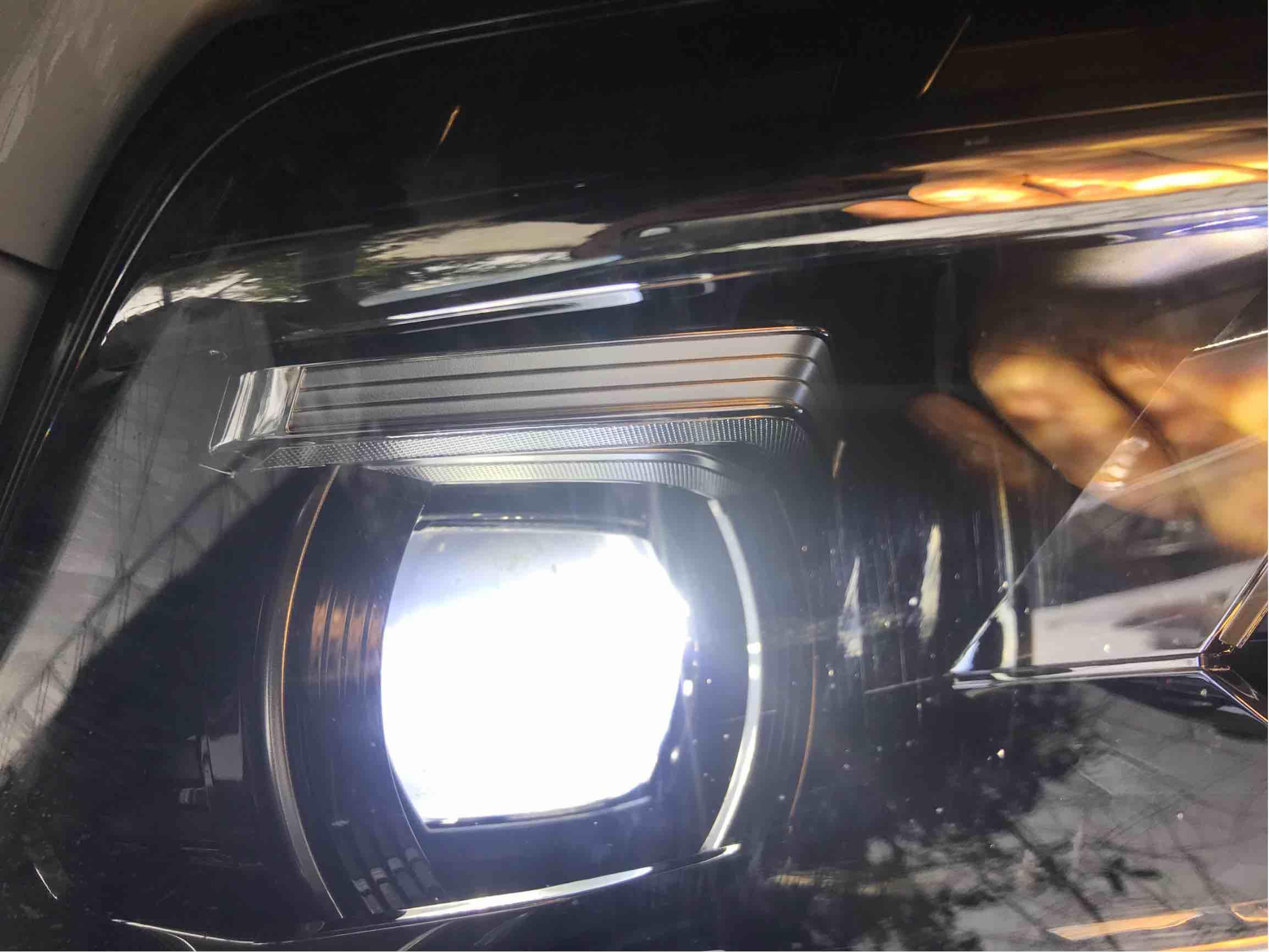 车灯内有脏东西