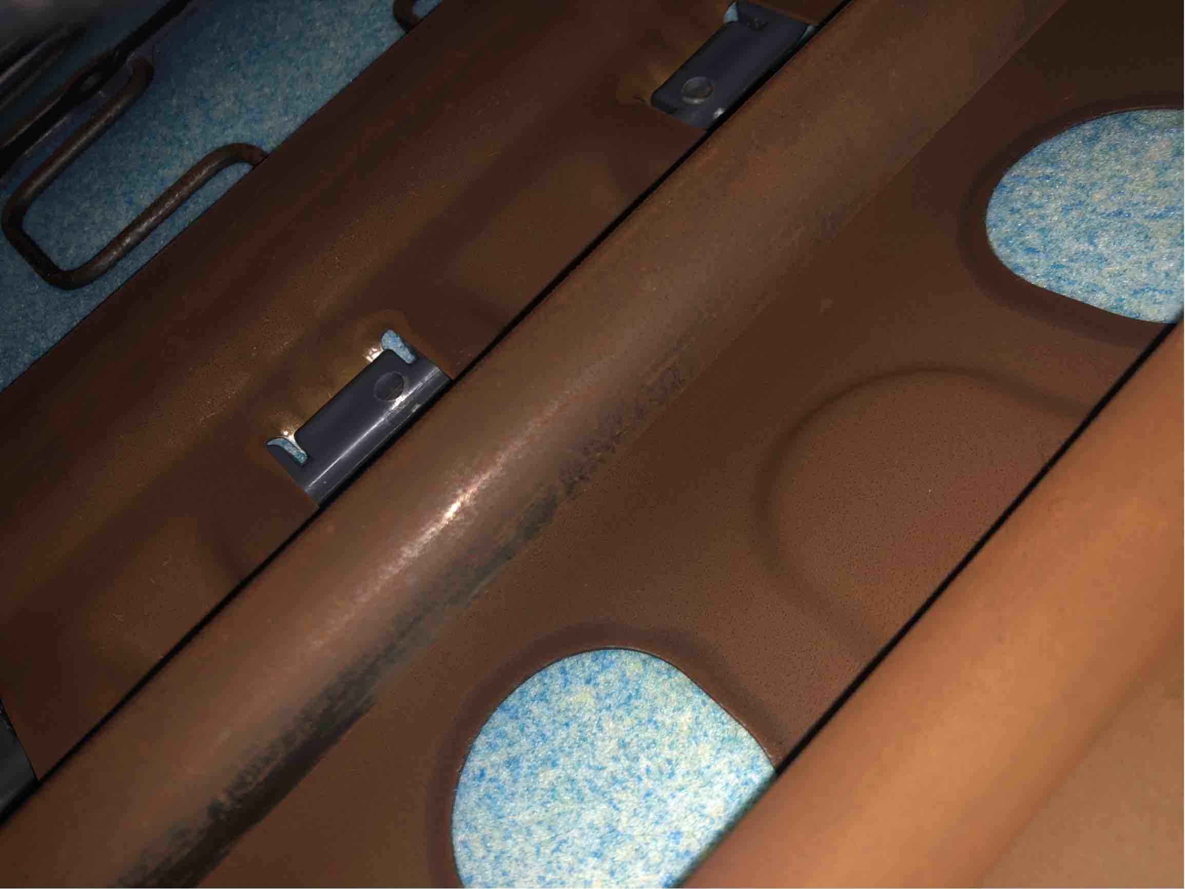 发动机怠速抖动严重,主副座椅生锈!