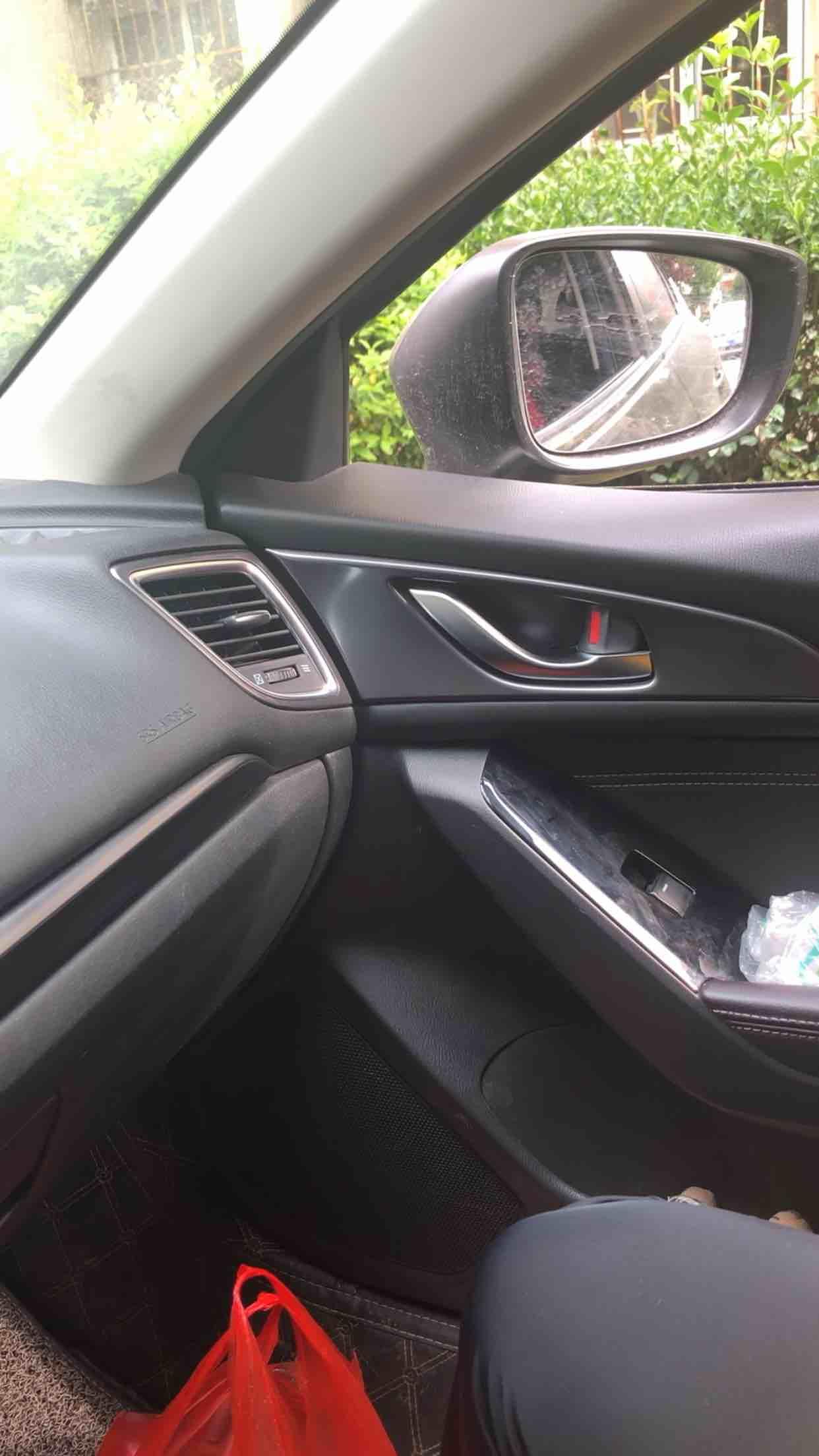 长安马自达车右后视镜折叠不顺