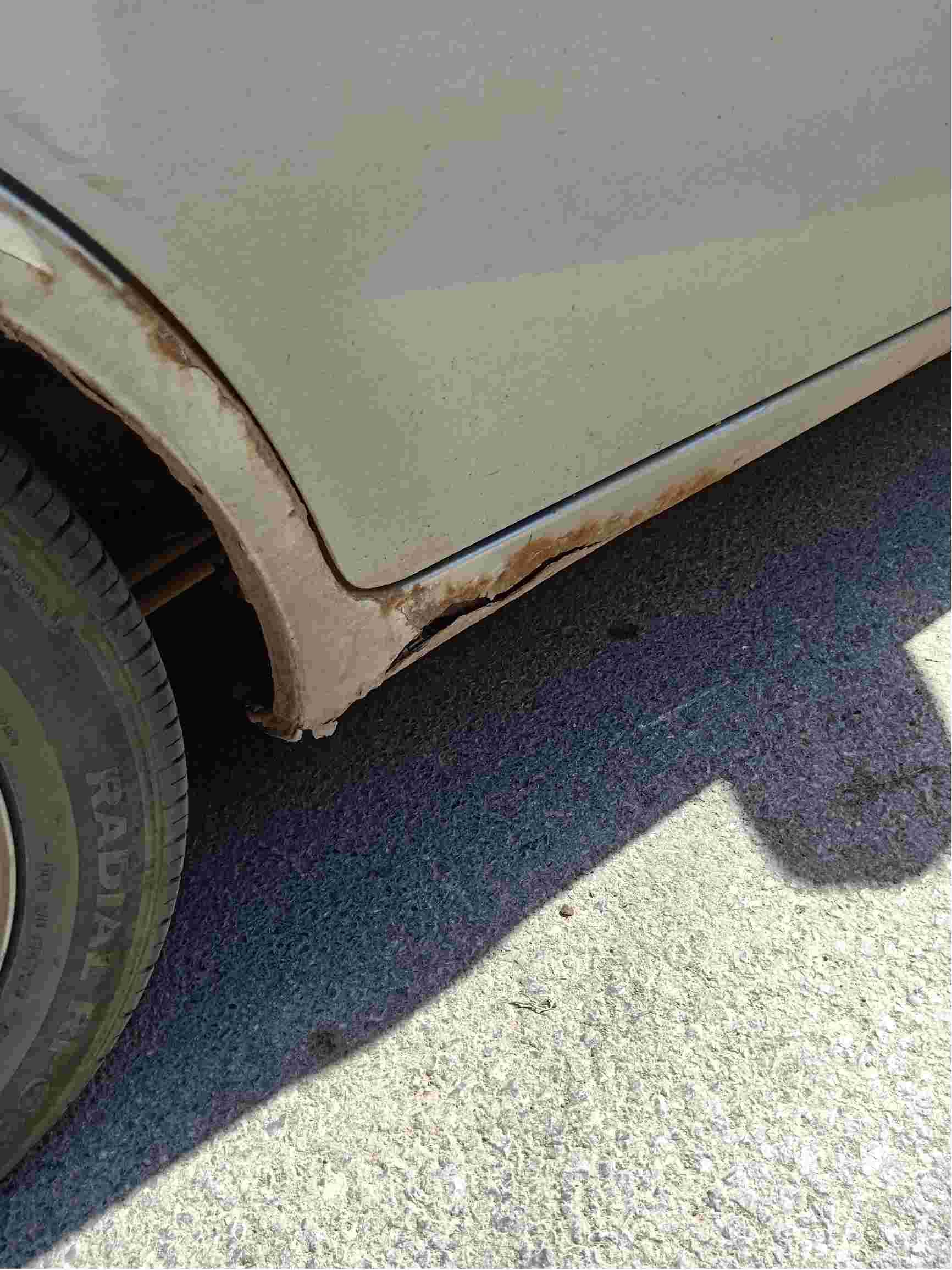 汽车车身锈迹斑斑,找谁来解决。